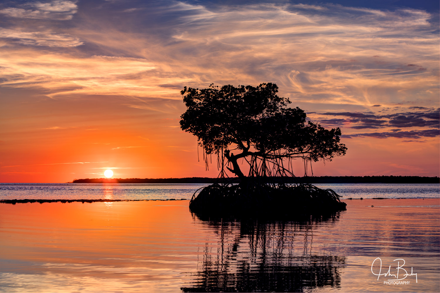 TEN THOUSAND ISLANDS NATIONAL WILDLIFE REFUGE The Ten Thousand Islands is located in Collier County, Florida. The Wildlife Refuge...